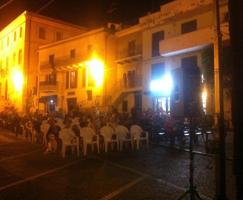 Piazza a Farindola, cinema all'aperto