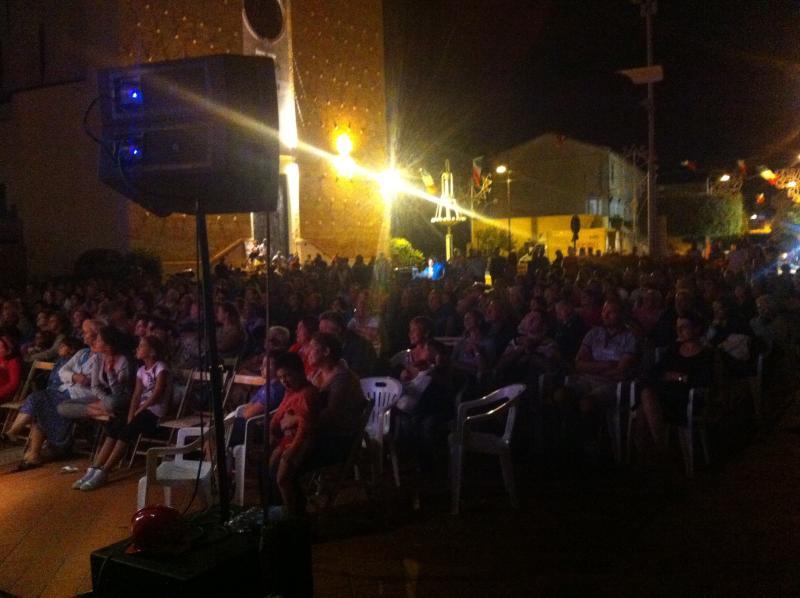 Panoramica spettatori palco, noleggio audiovideo