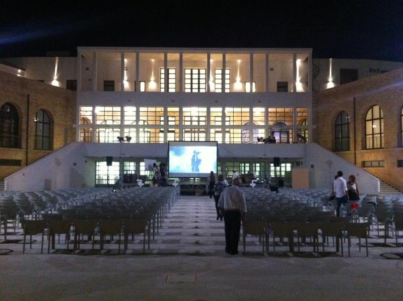 Vista frontale palco allestito da Ondisplay
