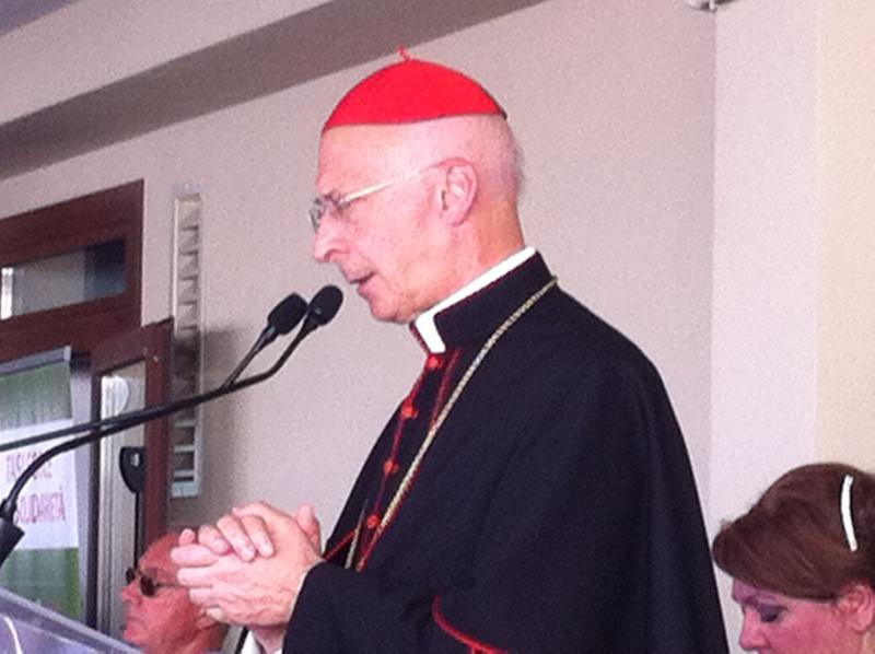 Cardinal Bagnasco Pescara