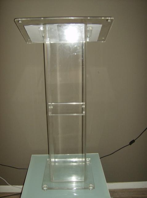 podio-plexiglass-2